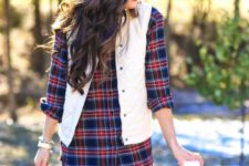 05 black leggings, a plaid shirt, a white quilted vest and knee boots