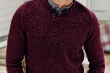 08 black denim, a grey shirt and a burgundy sweater to feel comfy