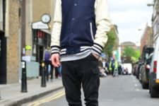 With loose shirt, pants with pockets, shoes and marsala beanie
