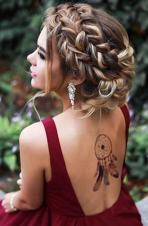 15 Cute And Easy Christmas Updos To Try Styleoholic