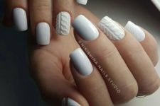 02 white cable knit and textural nails look very comfy in winter