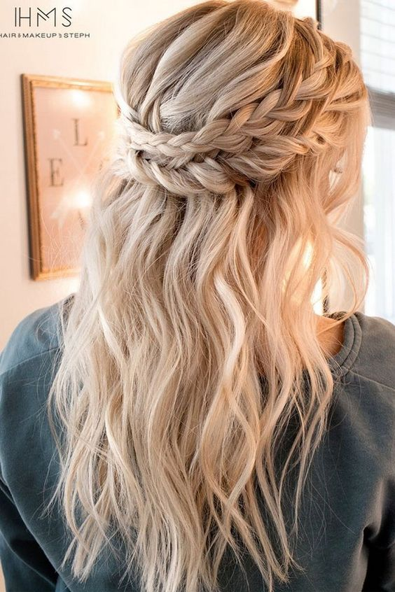 A Half Updo With Double Braid And Beachy Waves Looks Chic Cute