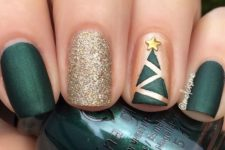 05 dak green nails, a glitter one and a geometric Christmas tree one for a whimsy look