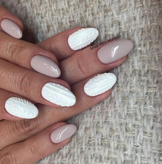 nude nails with knit-inspired white nails will remind of a sweater