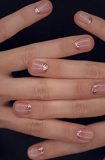 round neutral nails with a touch of glitter will be a nice idea for any time, not only holidays