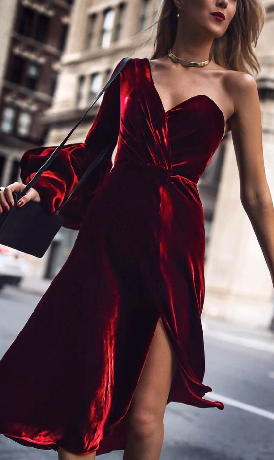 one shoulder red bell sleeve dress with a front slit looks wow