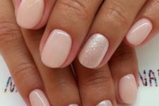 nude nails trend