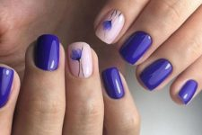 09 ultra-violet nails with blush and floral accent ones for a tender spring look
