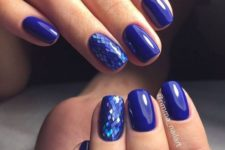 12 violet manicure with holographic nails that remind of fish scales