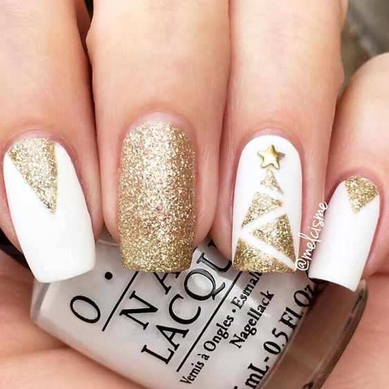 Christmas Nails With Glitter: 38 Ultimate Christmas Manicure Ideas To Try