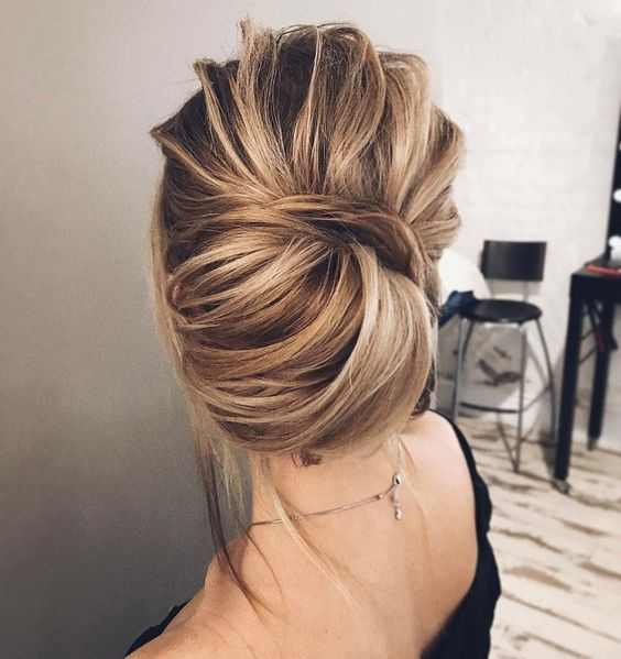 Wedding Hairstyle Upstyle: Picture Of A Messy Twisted Chgnon Updo With Volume On Top