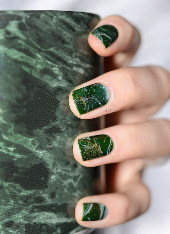 green marble with a gold glitter touch are amazing for a trendy look