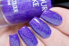 15 ultra-violet glitter manicure is going to be an edgy option