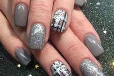 34 grey nails with glitter ones and plaid snowflake ones for those who love neutrals