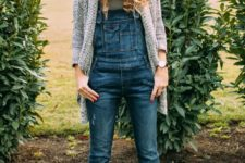 02 a tee, a denim overall, cognac boots, a comfy cardigan and a beanie