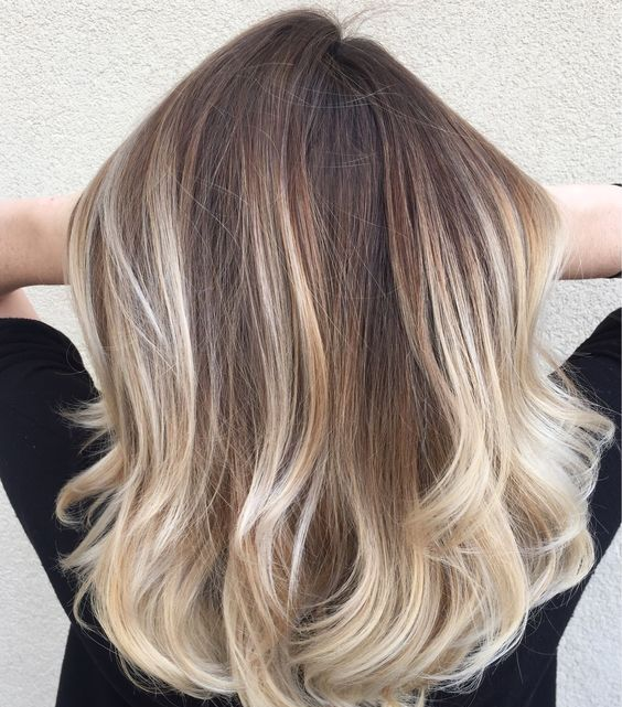 15 Chic Blonde Balayage Hair Ideas - Styleoholic