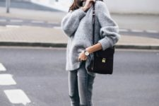 05 a simple and comfy look with grey jeans, an oversized grey cashmere sweater and white sneakers