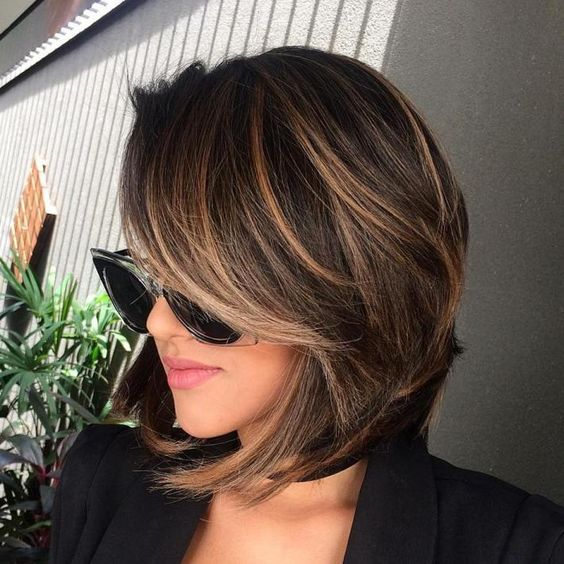 chocolate brown hair with caramal balayage is a super chic idea