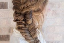 06 a largre fishtail braid coming up the head is a wow idea for winter