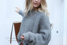 07 an oversized grey cashmere sweater, white denim and a comfy large bag for a casual winter look