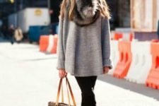 07 black suede boots, black skinnies, a grey oversized sweater, a faux fur scarf