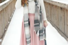 14 a neutral cable knit sweater, a pink skirt, nude heels and a striped scarf