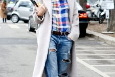 14 boyfriend jeans, a plaid shirt,black moccasins, a creamy coat and a chunky knit beanie