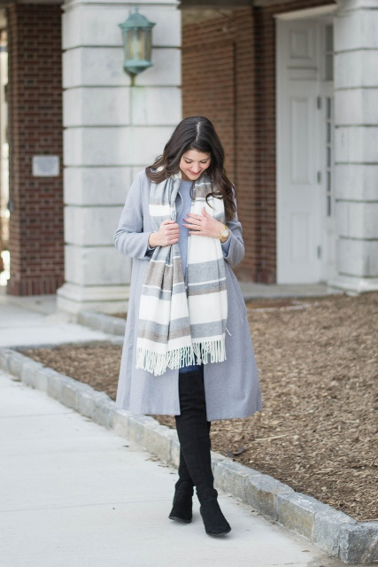20 Gorgeous Outfits With Striped Scarves