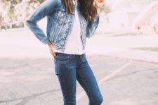 02 a denim jacket with a white top, denim skinnies and white trainers