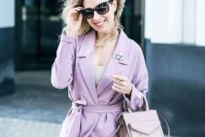 02 a lilac pantsuit with a neutral top and a blush bag can be worn to the office by romantic girls
