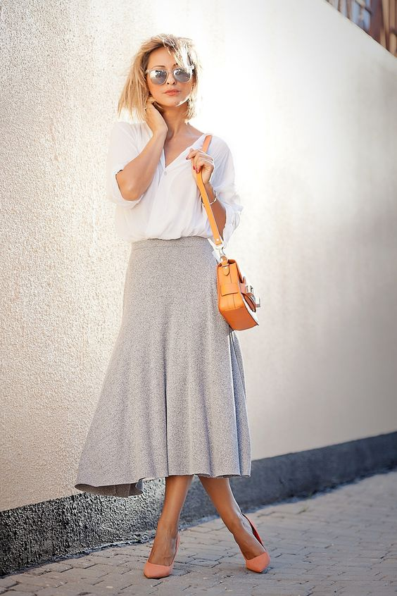 choose a simple A-line skirt instead of buttons