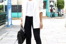 04 black skinnies, black suede booties, a white top and a long blazer and a black bag