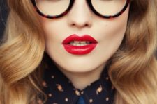 04 vintage-styled tortoise shell round glasses to make a bold stylish statement