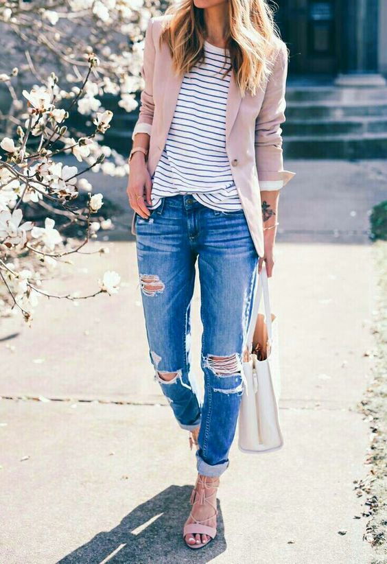 a dusty pink blazer and matching shoes, ropped jeans and a striped tee for an effortlessly chic look