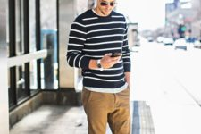 casual man's look with Converse sneakers