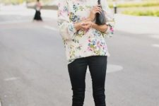 12 black pants, a floral shirt and hot pink shoes, floral add a nice spring touch to the look