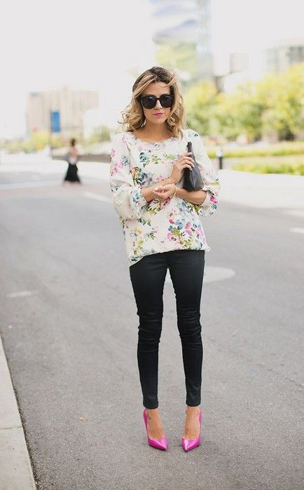 black pants, a floral shirt and hot pink shoes, floral add a nice spring touch to the look