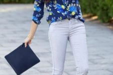 14 grey jeans, a bold floral blouse, electric blue shoes and a clutch not to look boring
