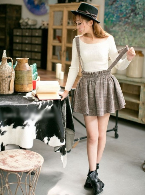 3c7662b677 20 Ideas To Wear Skirts With Suspenders - Styleoholic