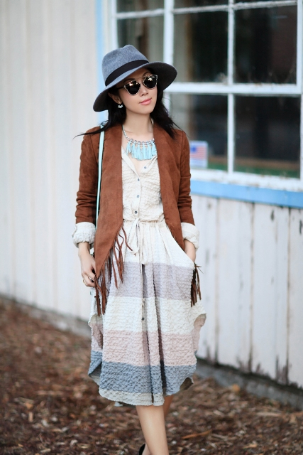 With striped dress, gray hat and light blue bag