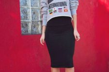 02 a grey printed cropped sweatshirt, a black knee pencil skirt and black strappy shoes