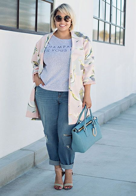 blue boyfriend jeans, a grey printed tee, heels and a tender blush floral long jacket
