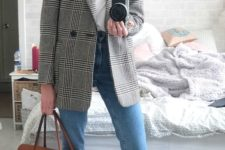05 a white tee, blue cuffed jeans, a grey checked blazer, rust suede shoes and a matching bag