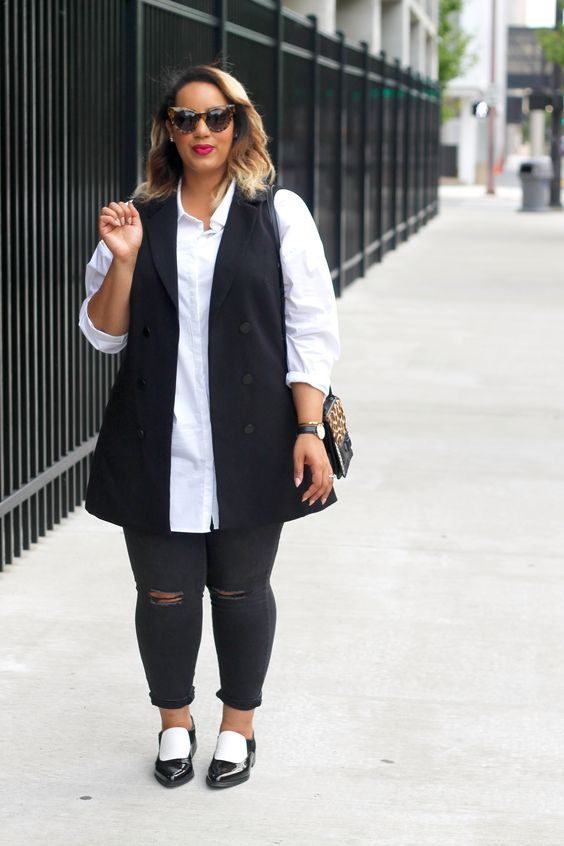 monochrome plus size spring look