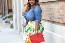 12 a chambray shirt, a bold floral pencil skirt, red shoes and a matching clutch to rock now