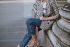 13 a grey plaid blazer, a printed tee, cropped blue jeans, nude shoes and a burgundy bag