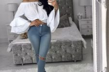 With skinny jeans and pumps