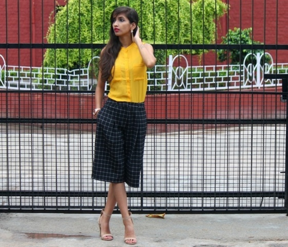 20 Outfits With Checked Culottes To Repeat