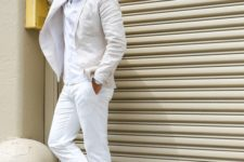 03 a white suit, a white shirt and neutral suede moccasins for a relaxed and chic look