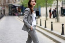 05 a grey suit, a white top and red pumps for a colorful touch